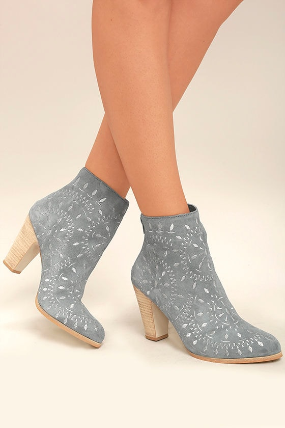Matisse Springfield Dusty Blue Embroidered Suede Leather Booties 2