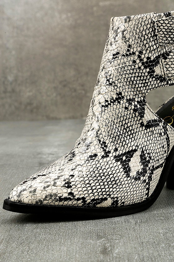 Keelin Snake Pointed Ankle Booties 6