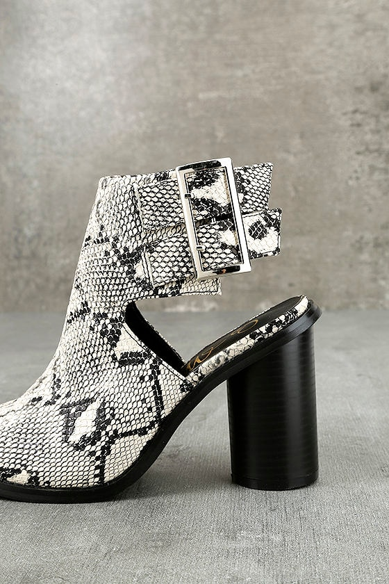 Keelin Snake Pointed Ankle Booties 7