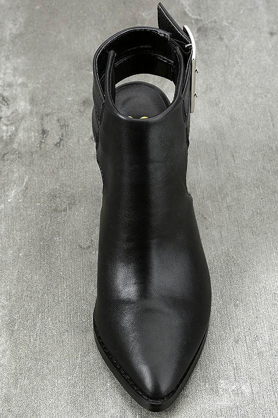 Keelin Black Pointed Ankle Booties 5