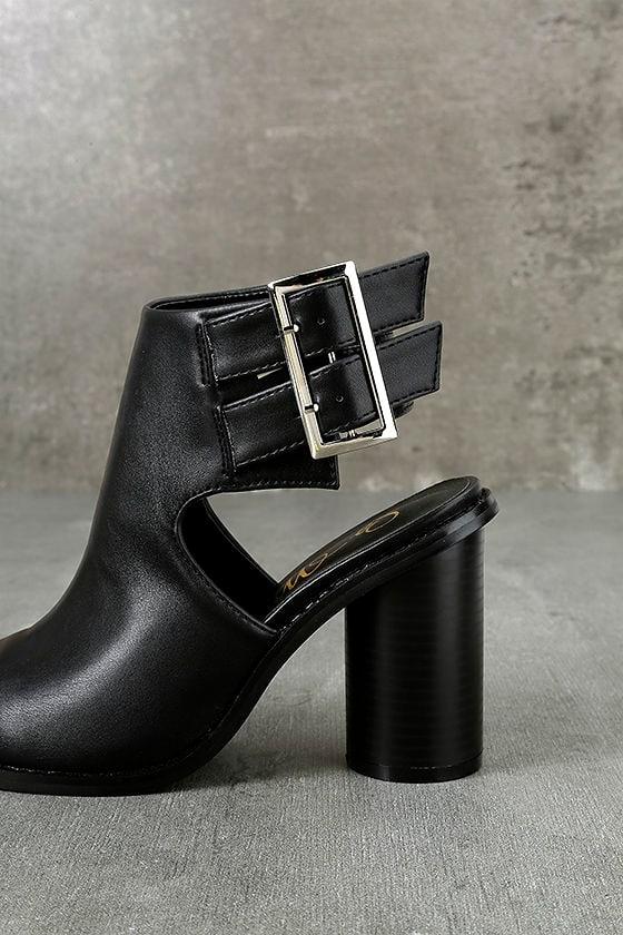 Keelin Black Pointed Ankle Booties 7
