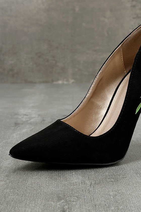 Circe Black Embroidered Pointed Pumps 6