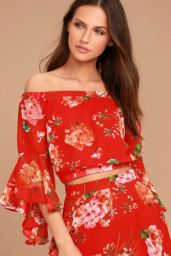 Naturally Charming Red Floral Print Off-the-Shoulder Crop Top 1