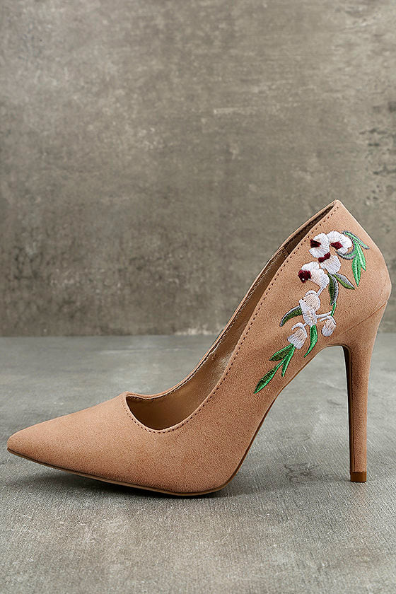 557d63ceb1f Circe Blush Embroidered Pointed Pumps