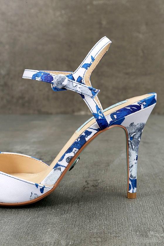 Betsey Johnson SB-Anina Blue Multi Heels 7