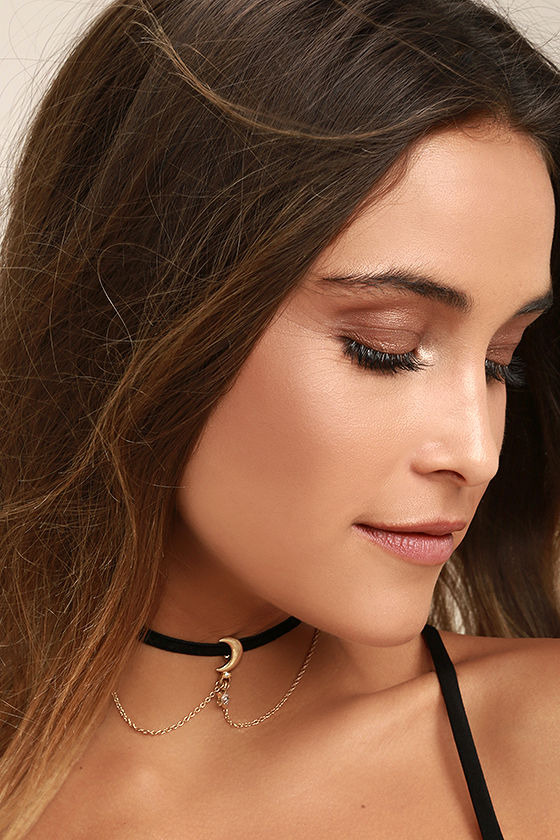 Shoot for the Stars Black and Gold Choker Necklace 1