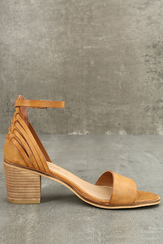 Sbicca Fars Tan Ankle Strap Heels 4