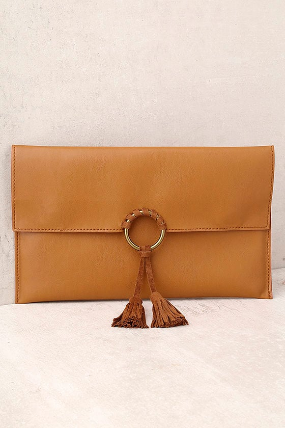 Stagecoach Tan Clutch 1