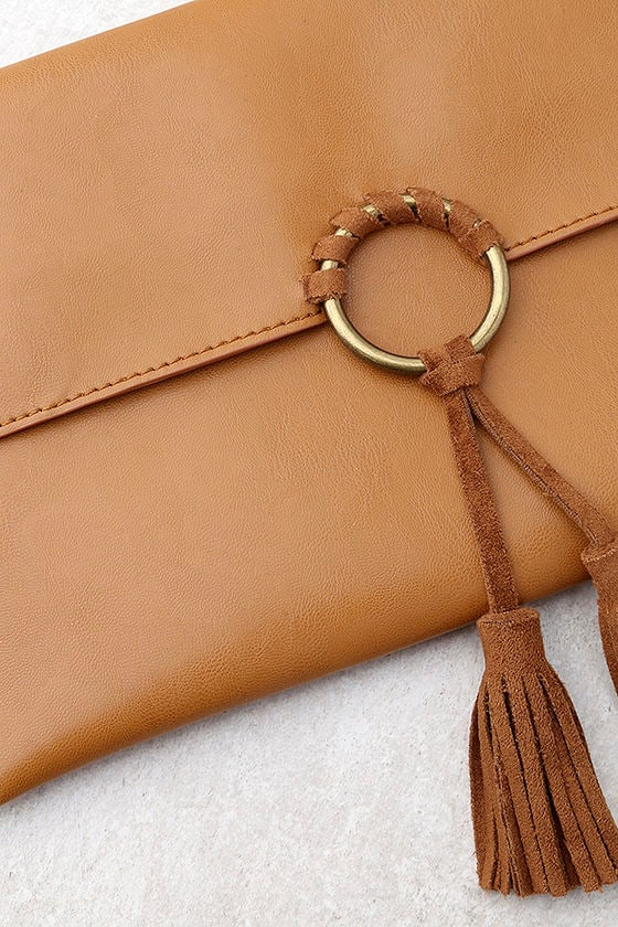 Stagecoach Tan Clutch 2