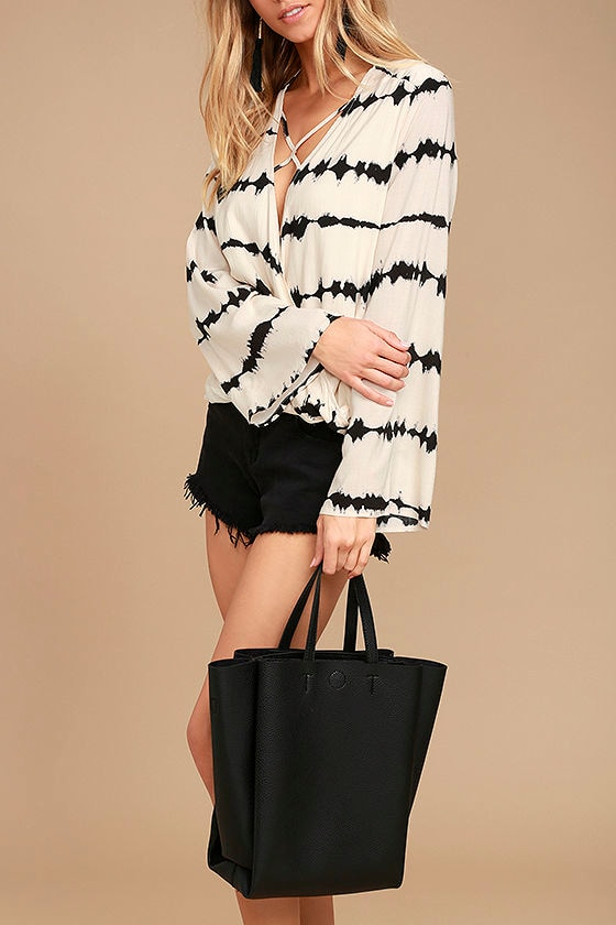Daily Joy Black Tote 1