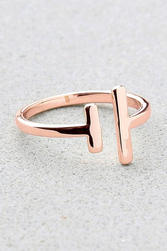 Shashi Lynda Rose Gold Ring 1