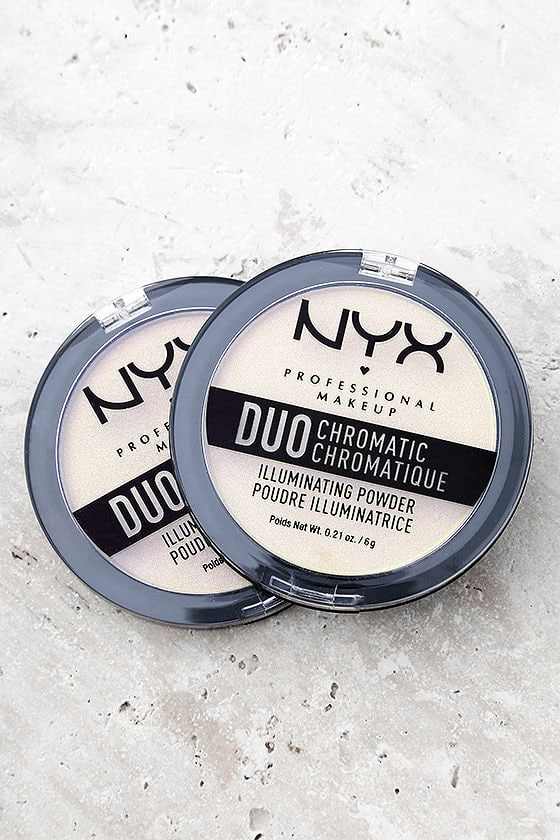 NYX Snow Rose White Duo Chromatic Illuminating Powder 1