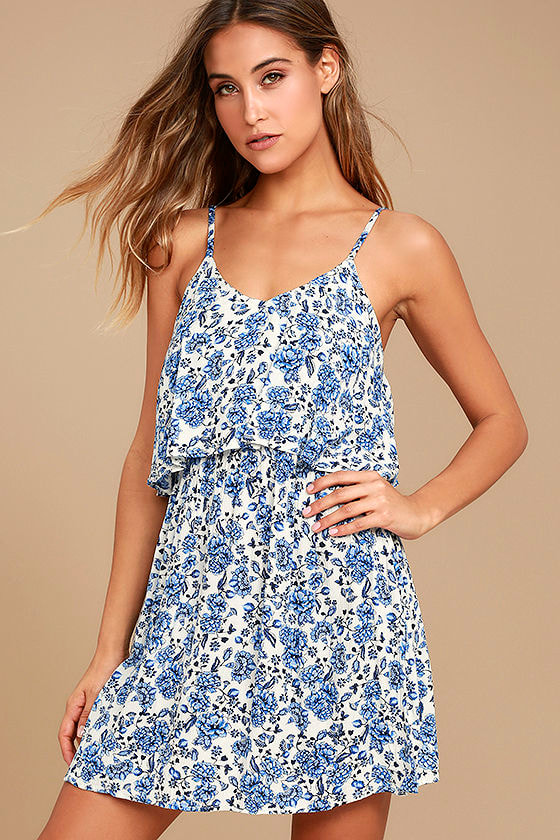 """Up for sale is a women's blue and white patterned Shein dress. Size medium. 95% rayon and 5% cotton. Measures 16"""" across chest, 14"""" at waist and 44"""" long."""
