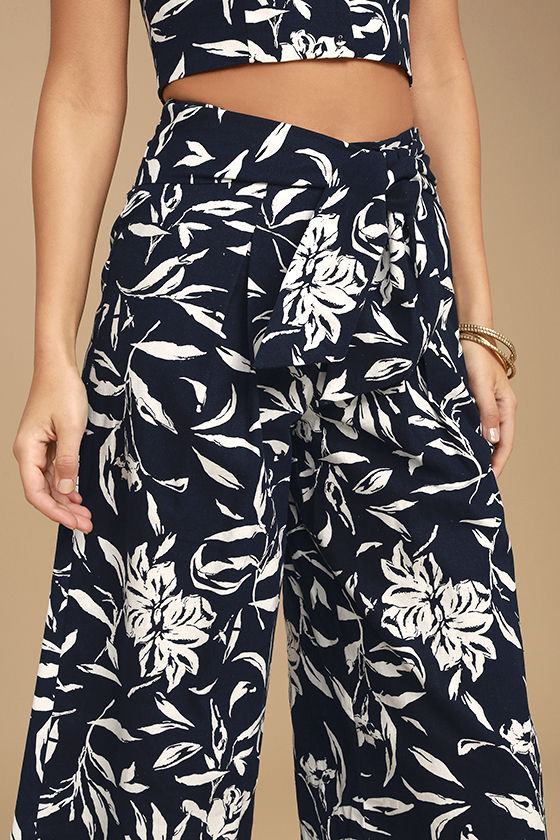 J.O.A. Maylee Navy Blue Floral Print Culottes 4
