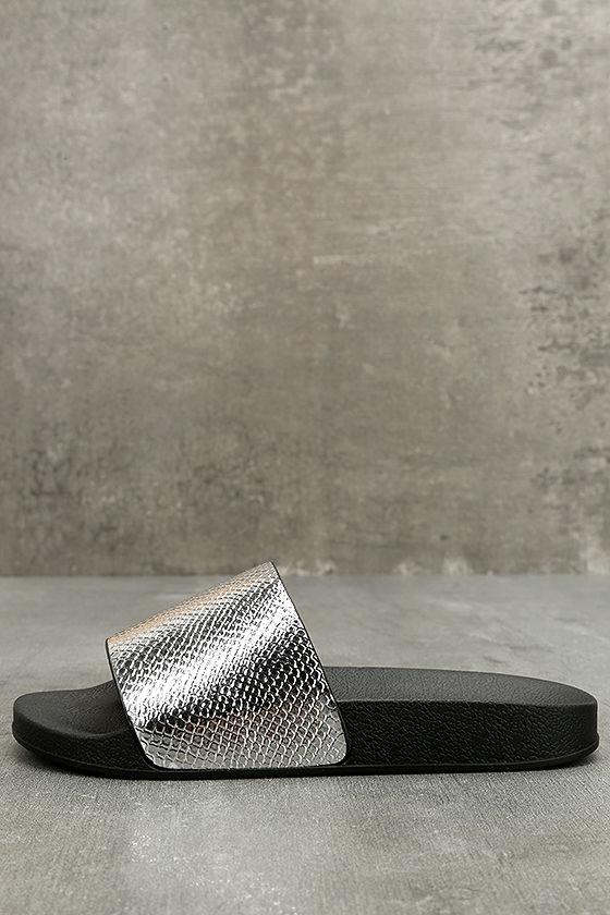 Glamorous Quinn Metallic Silver Slide Sandals 1
