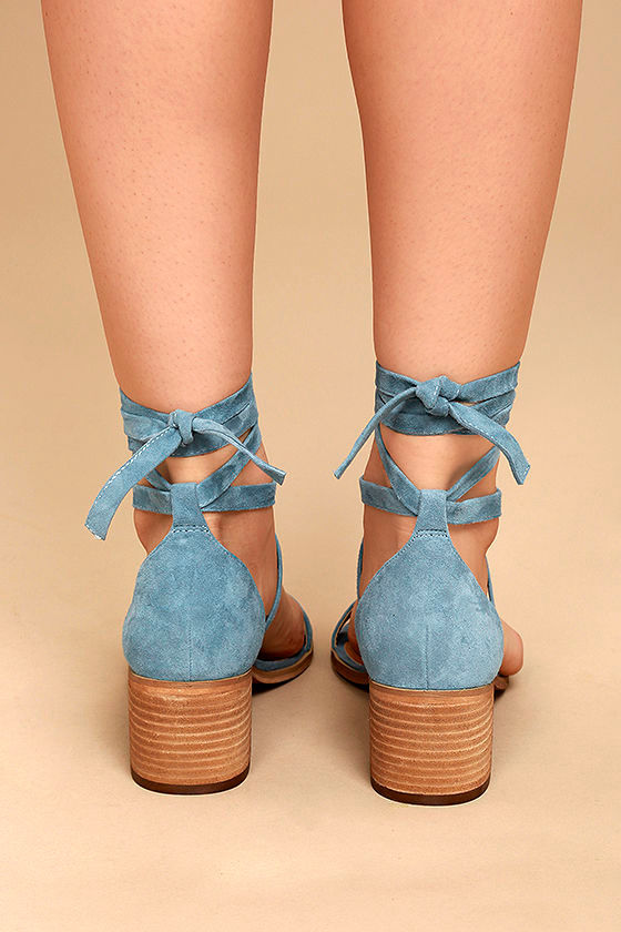 Steve Madden Rizzaa Light Blue Suede Leather Heeled Sandals 4