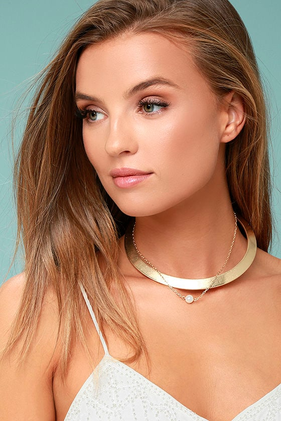 Glam Gala Gold and Pearl Layered Collar Necklace 1
