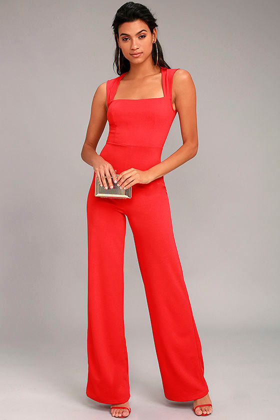 Rompers provide a polished and coordinated look in one, easy to wear piece. A classic jumpsuit is a chic alternative to typical women's dresses, so you can enjoy greater freedom of movement in fashion-forward cuts and styles.