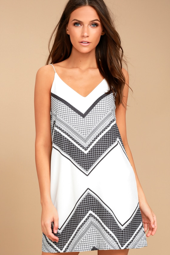 Always Artful White Print Shift Dress 2