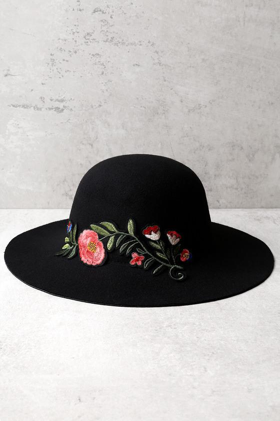 Orto Botanico Black Embroidered Hat