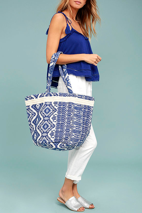 Billabong Beach Dwellin Blue Embroidered Tote 1