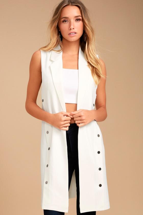 Make an Entrance White Vest 1