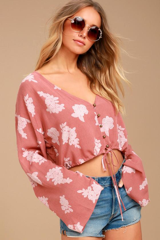 9b77da337cd2b5 Cute Rusty Rose Floral Print Top - Crop Top - Long Sleeve Crop Top