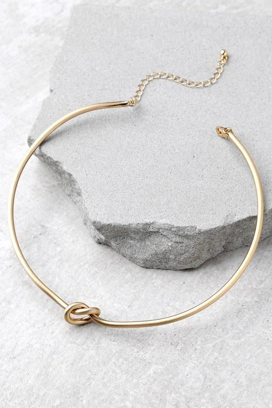 LOVER'S KNOT GOLD CHOKER NECKLACE