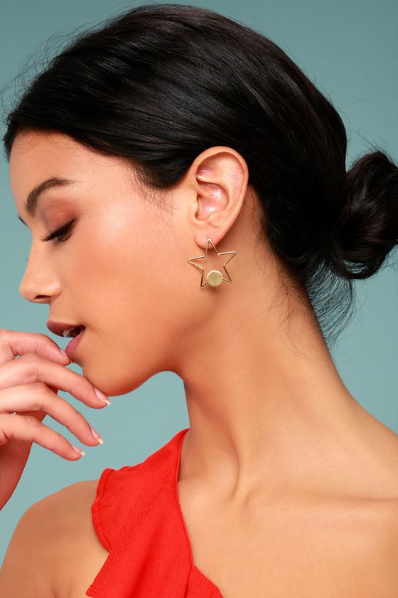 Pizzazz Gold Star Earrings 1