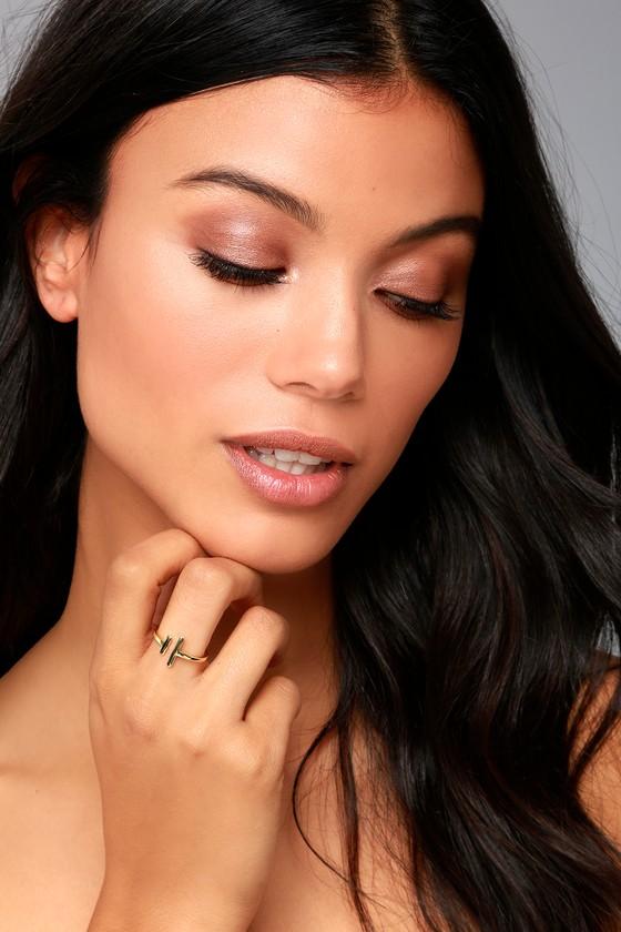 Shashi Lynda Gold Ring 3