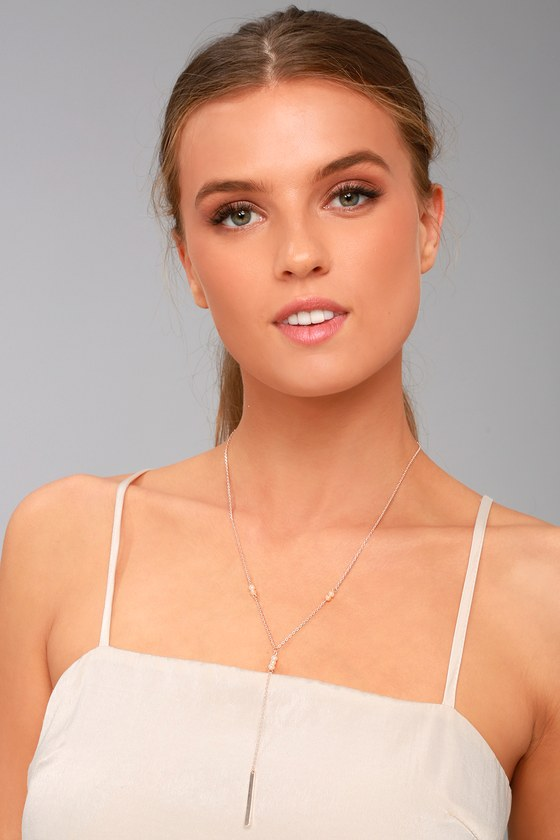 Sea of Style Rose Gold and Pearl Drop Necklace 1