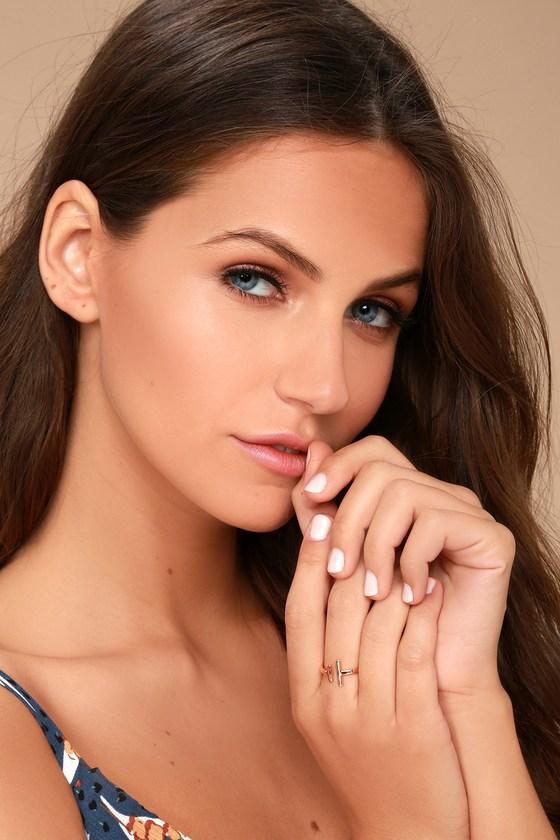 Shashi Lynda Rose Gold Ring 3