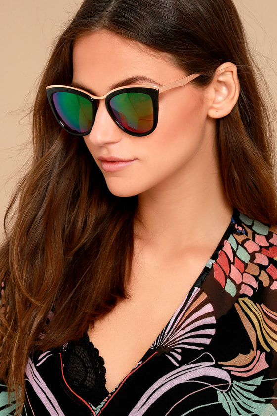 Style First Black and Pink Mirrored Sunglasses 1
