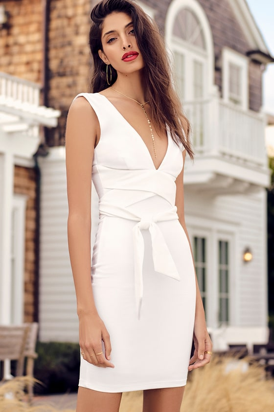 Glam Affair White Bodycon Dress 5