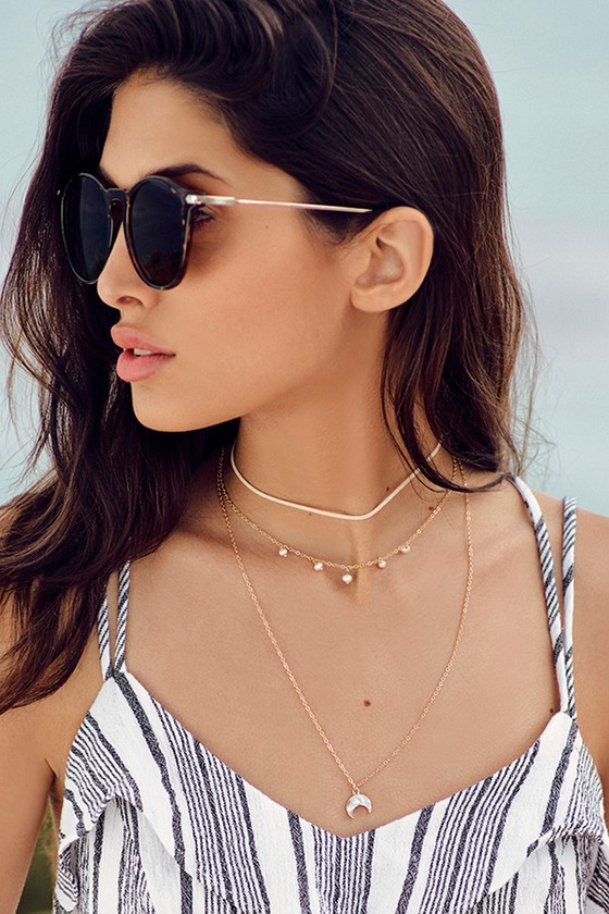 Land Amongst the Stars Cream and Gold Layered Choker Necklace 5
