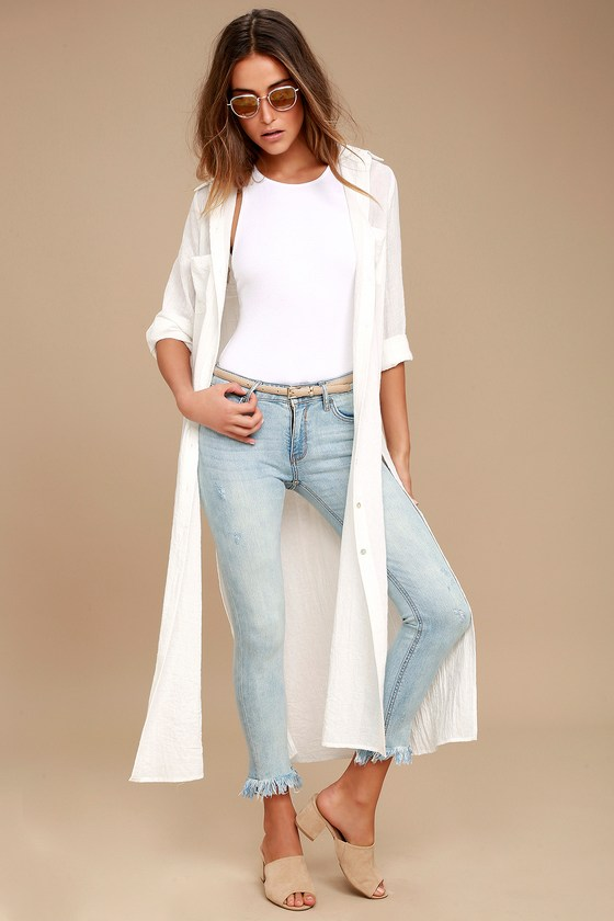 EVIDNT Hermosa Light Wash Frayed Skinny Jeans 1