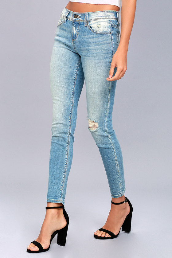 City Style Light Wash Distressed Skinny Jeans 2