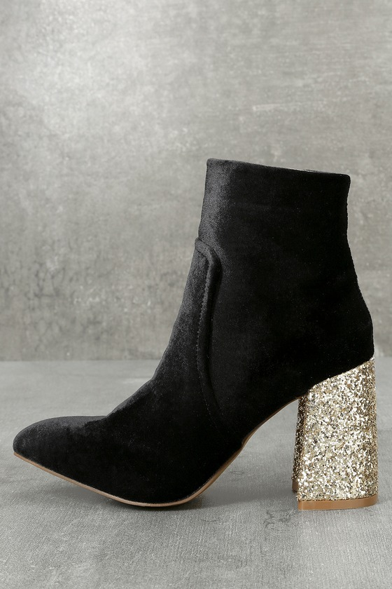Betsey Johnson Kacey Black Velvet Pointed Toe Ankle Booties 2