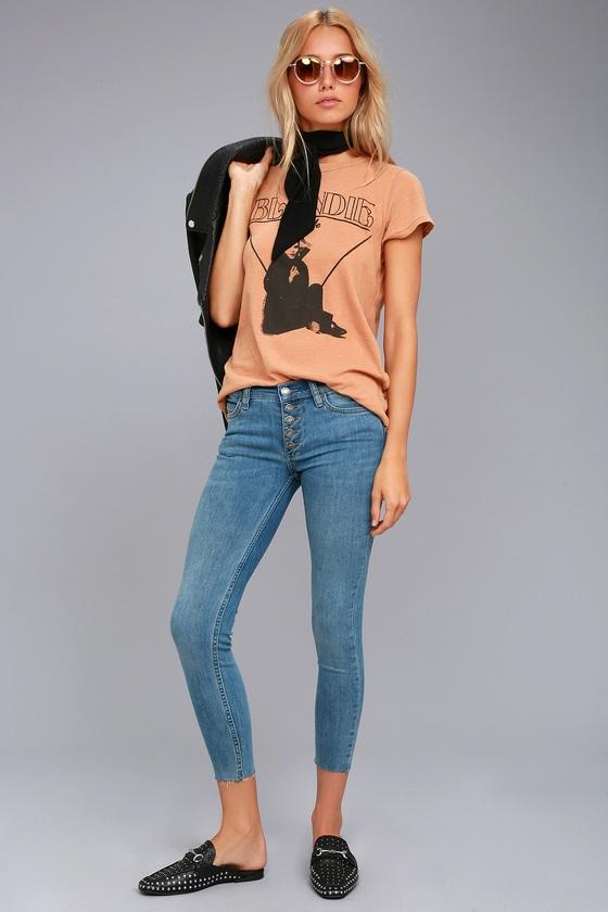 e039652b74444 Free People Reagan - Light Wash Skinny Jeans - Mid-Rise Jean