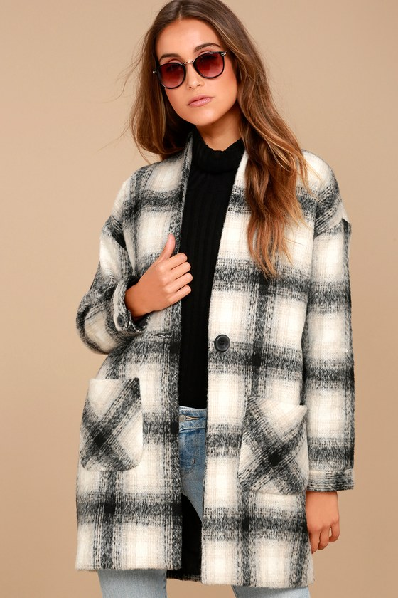 Chic in the City Black and Beige Plaid Coat 3
