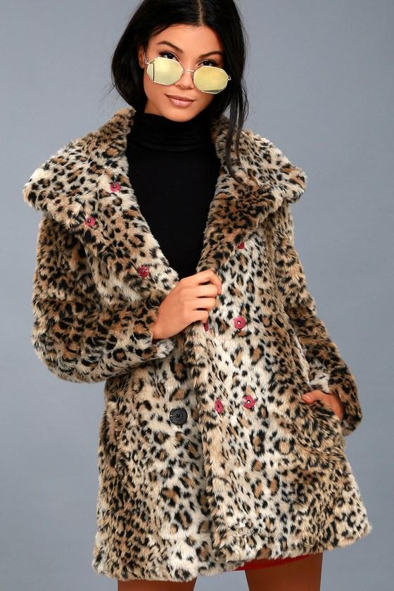 hloe Leopard Print Faux Fur Coat