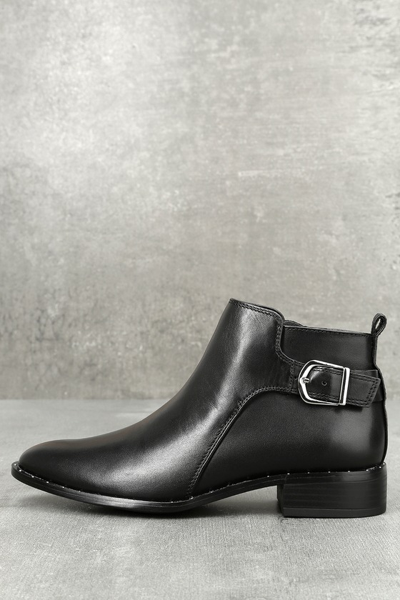 Clio Black Leather Ankle Boots 1