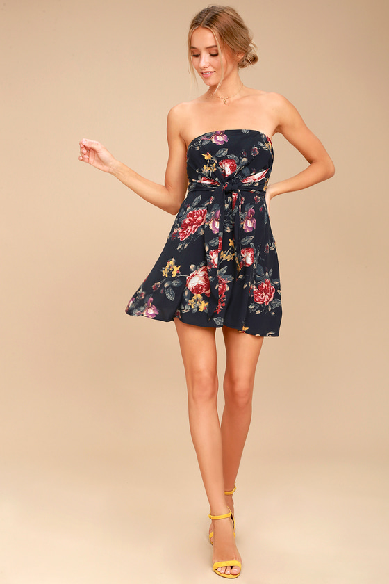 33ecf7552 Everyday Occasion Midnight Blue Floral Print Strapless Dress