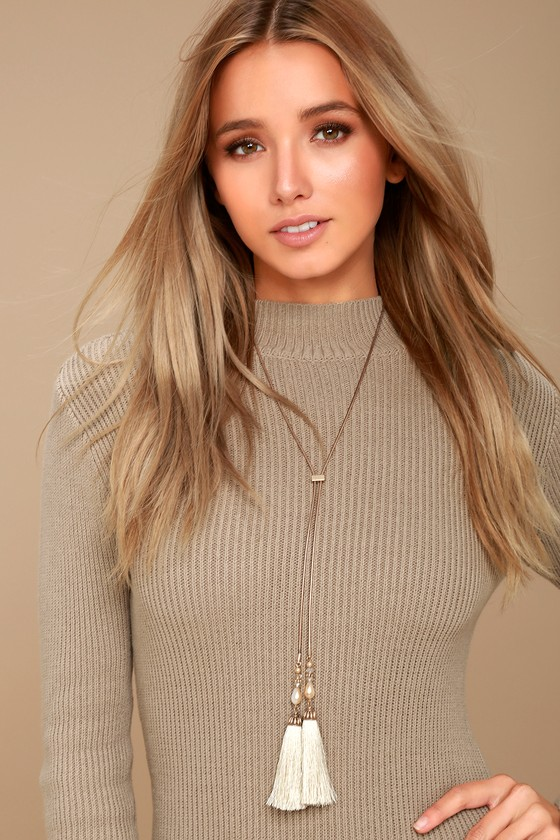 Big Debut Gold and Ivory Lariat Necklace 1
