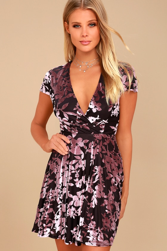 Emiree Black and Mauve Velvet Floral Print Skater Dress 3