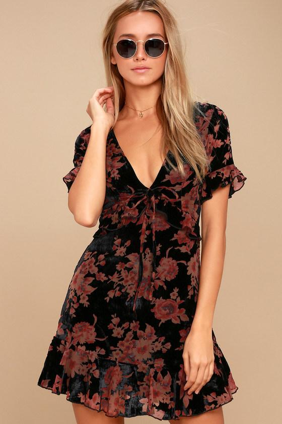 A Touch of Magic Black Velvet Floral Print Mini Dress 3