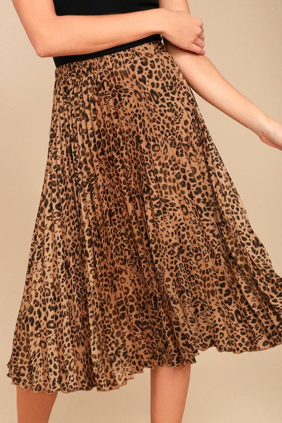 detailing distinctive style best Roxie Leopard Print Pleated Midi Skirt