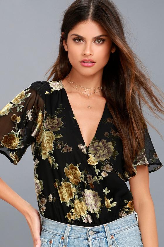 ASTR The Label Eliza Black Velvet Floral Print Bodysuit