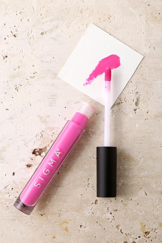 Creme De Couture Top That Fuchsia Liquid Lipstick 2