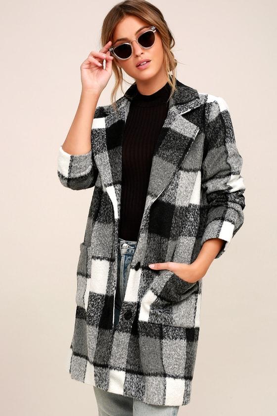 St. Cloud Black and White Plaid Coat 3